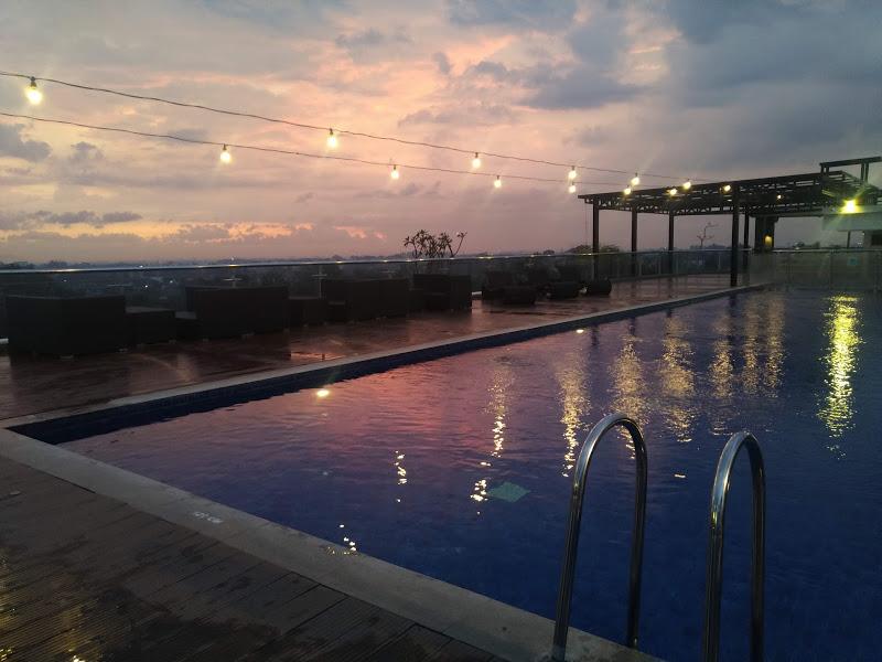 sky pool sunset innside yogyakarta