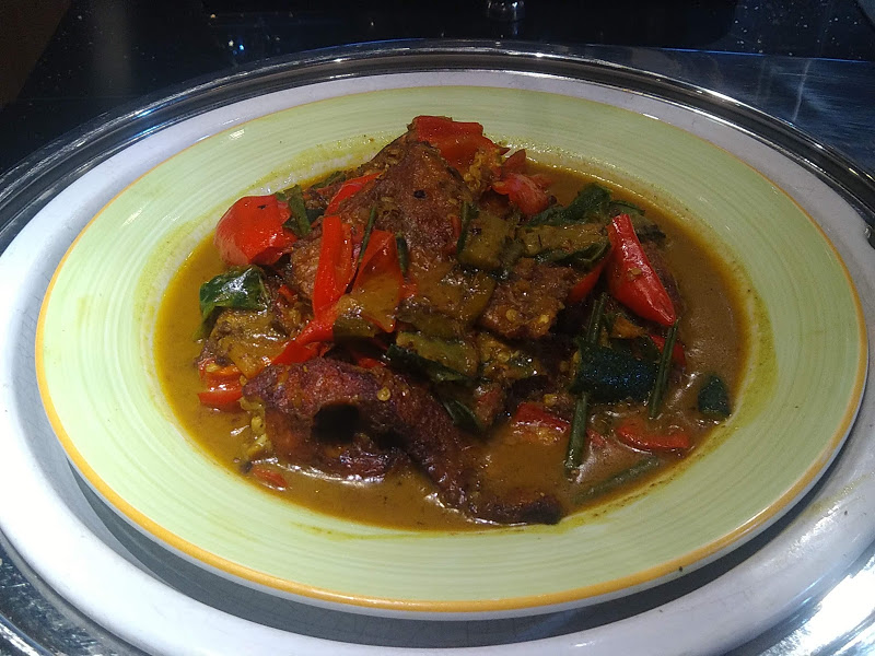 Nila bumbu Karee Dapoer Ramadan Ibis Kitchen Restaurant